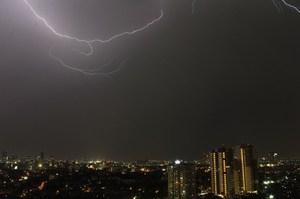 130415_lightning4047.JPG