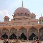 政治の街!プトラジャヤにあるピンクモスク